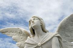 ange regard au ciel