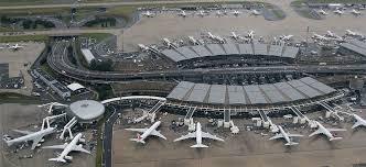 Cette image a un attribut alt vide; le nom du fichier est aeroport.jpg